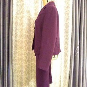 Tahari Arthur S. Levine Jackets & Coats - Tahari Arthur S. Levine 2pc suit sz 14P Plum